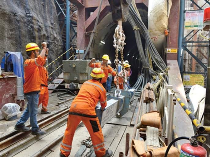 Work on slabs of six subway stations on Metro-3 line is completed | मेट्रो-३ मार्गिकेवर सहा भुयारी मेट्रो स्थानकांच्या स्लॅबचे काम पूर्ण
