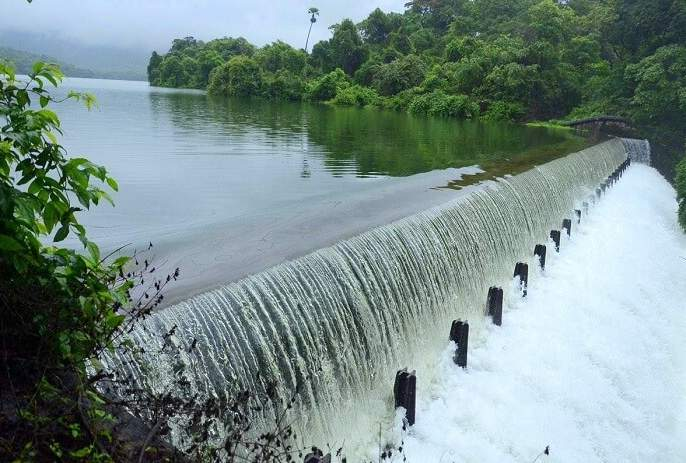 More water crisis in Mumbai was avoided | मुंबईतील जादा पाणीकपातीचे संकट टळले