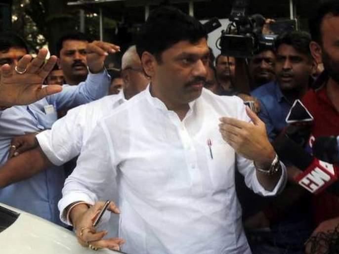 dhananjay munde was not reachable when when ajit pawar takes oath with devendra fadnavis | ...तेव्हा राष्ट्रवादीच्या कार्यकर्त्यांनी धनंजय मुंडेंसमोरच दिल्या होत्या विरोधाच्या घोषणा!