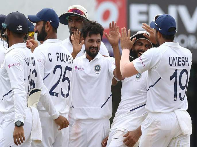 India vs South Africa, 3rd Test : South Africa are all out for 162 runs, Team India lead by 335 runs | India vs South Africa, 3rd Test : दक्षिण आफ्रिकेची शरणागती, विराट कोहलीनं दिलं फॉलोऑन