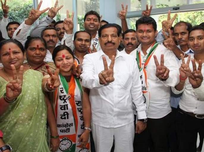 all ncp corporators in navi mumbai likely to join bjp | नवी मुंबईत राष्ट्रवादीला खिंडार?; सर्व नगरसेवकांचा भाजपामध्ये जाण्याचा निर्णय