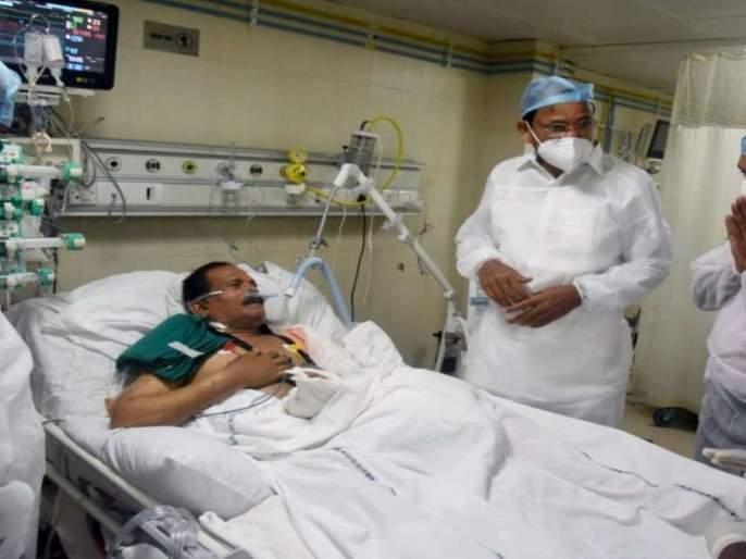 union minister Shripad Naik shifted to VVIP room from ICU | श्रीपाद नाईक यांना आयसीयूतून व्हीव्हीआयपी खोलीत हलवले