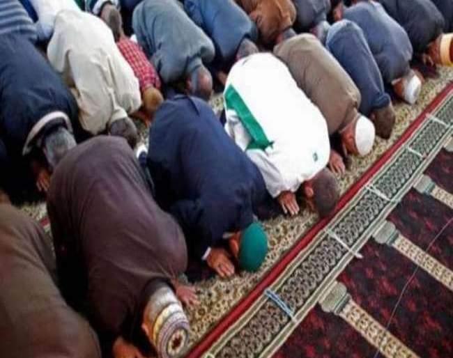 In violation of the order, sending mass prayers in Miraj, detain 2; Sangli police action | CoronaVirus Lockdown : आदेशाचं उल्लंघन करत मिरजमध्ये सामूहिक नमाज पठण, ३६ जण ताब्यात
