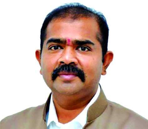 Lok Sabha Election 2019 Udayanrajeni will give the answers to my questions while refining - Surendra Patil | Lok Sabha Election 2019 : 'जिल्ह्याच्या प्रश्नांबाबत उदयनराजेंशी समोरा-समोर बोलेन-नरेंद्र पाटील