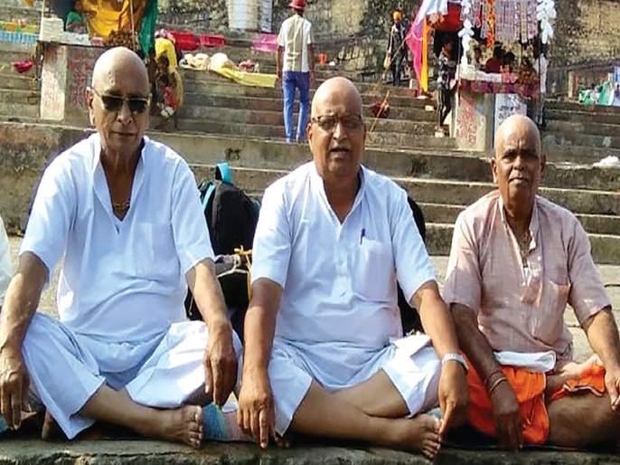 Welcome to the five heroes who completed the Narmada Circle   नर्मदा परिक्रमा पूर्ण करणाऱ्या पाच वीरांचे स्वागत