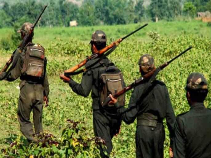 Three women surrender, surrendering to Chagaon Dalam of Naxalites | नक्षलवाद्यांच्या चातगाव दलमचे आत्मसमर्पण, तीन महिलांचा समावेश