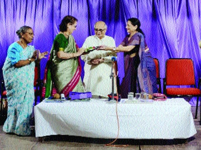 created unnecessary glamor in Journalism - Manisha Tikker | पत्रकारितेला अनावश्यक ग्लॅमर निर्माण झाले आहे - मनीषा टिकेकर