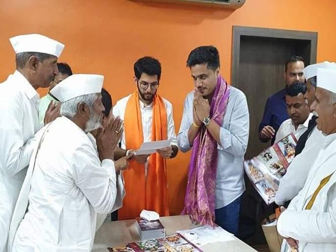 Aditya Thackeray promises to clean Indraani river in Andali to rohit pawar | आळंदीतील इंद्रायणी नदी स्वच्छ करणार, आदित्य ठाकरेंचं आश्वासन