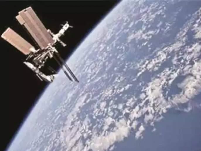 जपान तयार करतोय जगातील पहिलं 'लाकडी सॅटलाइट'!; अंतराळातील प्रदुषणावर तोडगा  - Marathi News | japan Working On Worlds First Satellite Made Of Wood To  Fight Space Debris | Latest international ...