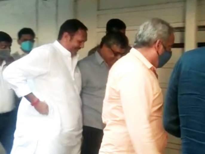 bjp mp udayanraje bhosale meet mns chief raj thackeray in his mumbai krushna kunj residence   मोठी बातमी! उदयनराजे भोसले 'कृष्णकुंज'वर राज ठाकरेंच्या भेटीला, चर्चांना उधाण