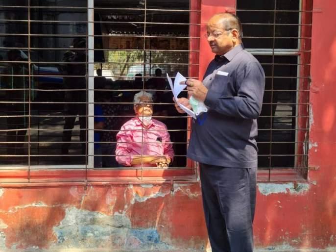 Lokmat Impact writer Laxman Gaikwad calls off hunger strike | लोकमत इम्पॅक्ट: ज्येष्ठसाहित्यिक लक्ष्मण गायकवाड यांनी उपोषणघेतले अखेर मागे, मुख्यमंत्र्यांनी घेतला पुढाकार