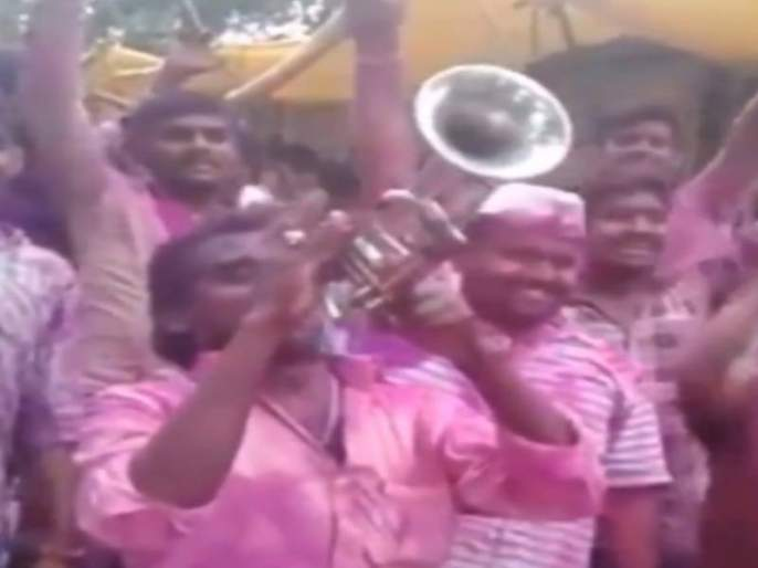 IPL 2021 social media users share jasprit bumrah marriage funny video goes to viral | IPL 2021: बुमराहच्या लग्नाच्या वरातीचा धमाल Video व्हायरल, पाहून पोट धरून हसाल!
