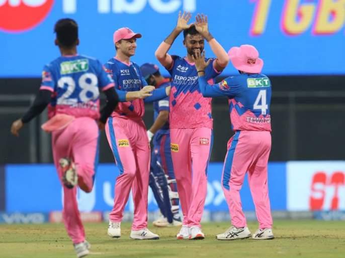 IPL 2021 RR vs DC T20 Live delhi capitals sets 148 runs target against rajasthan royals   IPL 2021 RR vs DC T20 Live: राजस्थानची 'रॉयल' गोलंदाजी, वानखेडेवर एकही षटकार नाही!; दिल्लीला १४७ धावांत रोखलं