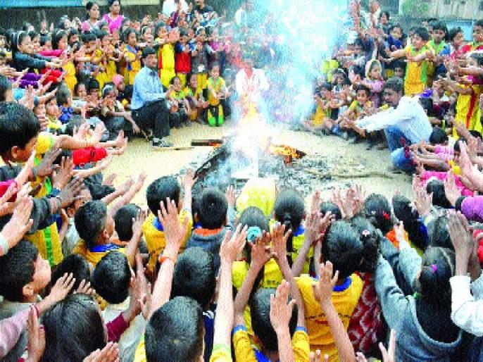 Kalyan-Dombivli New Year's Celebrations, Thirty First Dakaya | कल्याण-डोंबिवलीत नववर्ष जल्लोष, थर्टी फर्स्ट दणक्यात