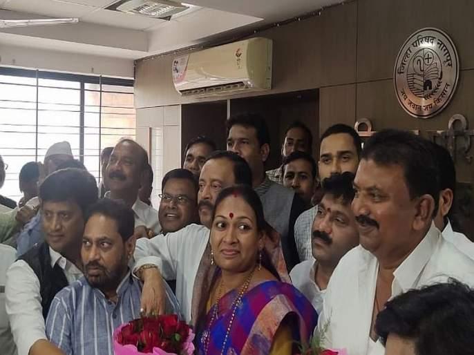 Give a blow to the ncp in nagpur! Rashmi Barve president of Congress and Kumbhare vice president | राष्ट्रवादीला दे धक्का ! काँग्रेसच्या रश्मी बर्वे अध्यक्ष अन् कुंभारे उपाध्यक्ष