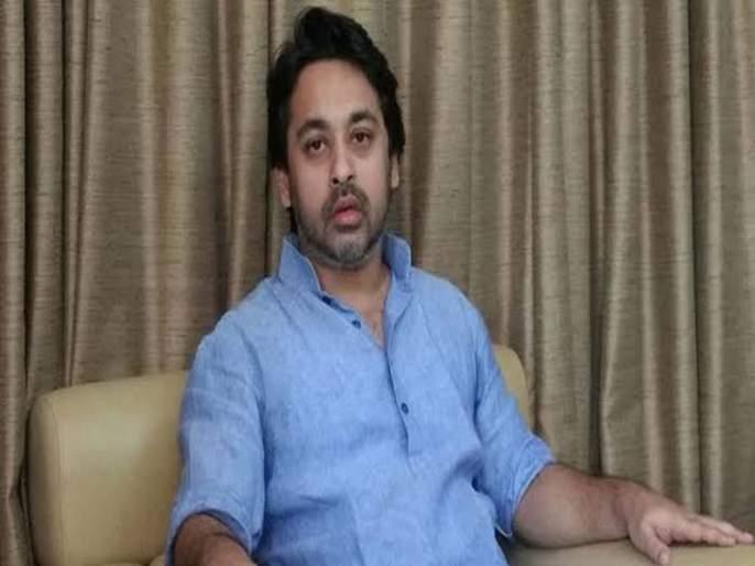 Nilesh Rane Criticism On Shiv Sena Uddhav Thackeray and Sanjay Raut | संजय राऊतांना टीव्ही आणि उद्धव ठाकरेंना कॅडबरी चॉकलेट द्या; निलेश राणेंनी उडवली खिल्ली
