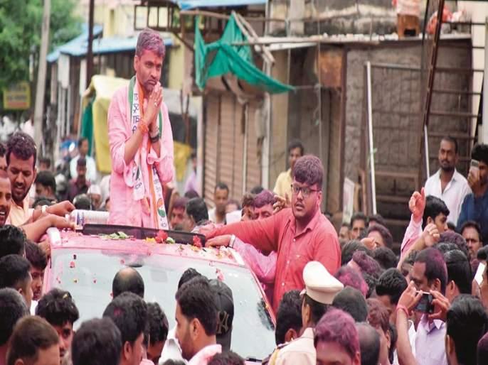 The rhythm of activist in Parner is heavy ... | पारनेरमध्ये कार्यकर्ता ठरला लय भारी....