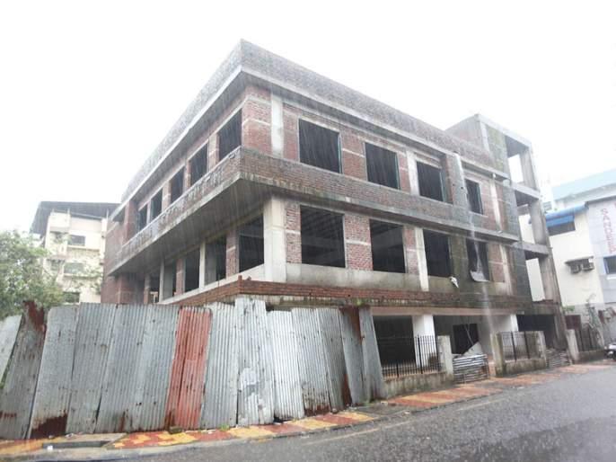 Construction of multi-purpose building in Vashi; | वाशीतील बहु-उद्देशीय इमारतीचे काम रखडले; प्रशासनाचे दुर्लक्ष
