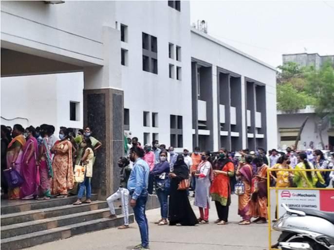 Corona Vaccination: All vaccination centers in Navi Mumbai closed | Corona Vaccination: नवी मुंबईतील सर्व लसीकरण केंद्रे बंद; नवीन डोस येण्याची प्रतीक्षा