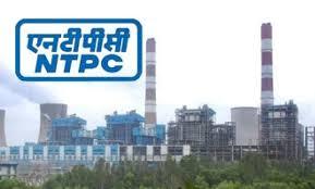 Breaks to local workers, including two hundred project volunteers in NTPC, Solapur | सोलापुरातील एनटीपीसी मधील दोनशे प्रकल्पग्रस्तांसह स्थानिक कामगारांना ब्रेक