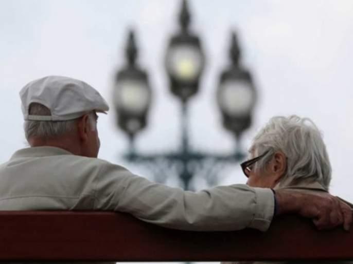 Who is going to ask senior citizens or not? Senior citizens question the administration   आम्हांला कुणी विचारणार आहे की नाही ? ज्येष्ठ नागरिकांचा प्रशासनाला खडा सवाल