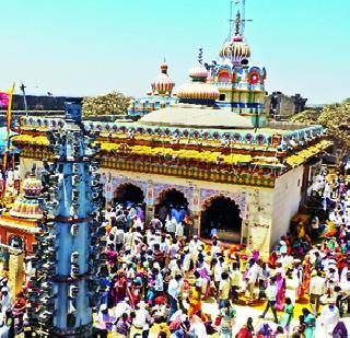 Alot crowd wakad-hinjewadi bogad enthusiasm | अलोट गर्दीत वाकड-हिंजवडीत बगाड उत्साहात