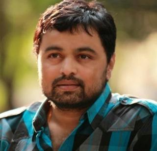 Subodh Bhave plays the role of father in 'Hardyantar' | 'हृदयांतर' चित्रपटात सुबोध भावे वडिलांच्या भूमिकेत...
