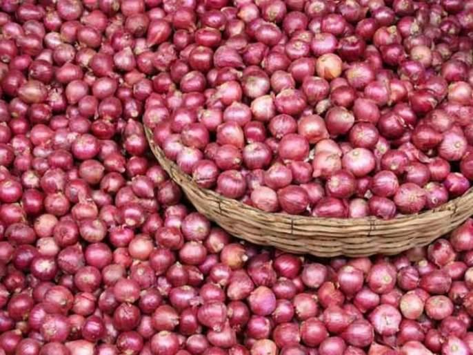 They stole the onions to pay for the Truck's EMI | ऐकावं ते नवलच! ट्रकचा ईएमआय भरण्यासाठी त्यांनीचोरले कांदे