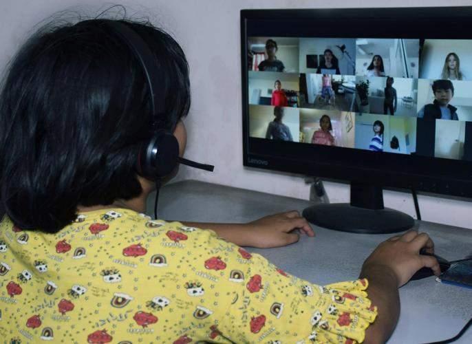 Teach online and report daily | ऑनलाइन शिकवा अन् रोजची माहिती कळवा