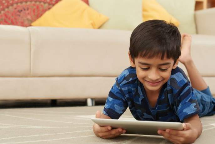 online learning an opportunity or problem? | ऑनलाइन शिक्षण संधी नव्हे संकट!