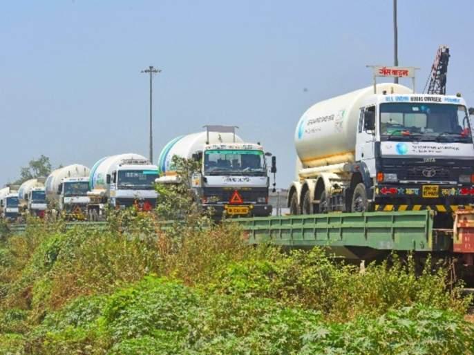 oxygen express arrived at rinl visakhapatnam site to get liquid medical oxygen for maharashtra | Oxygen Express: दिलासा! ऑक्सिजन एक्स्प्रेस विशाखापट्टनमला पोहोचली; लवकरच महाराष्ट्रात परतणार