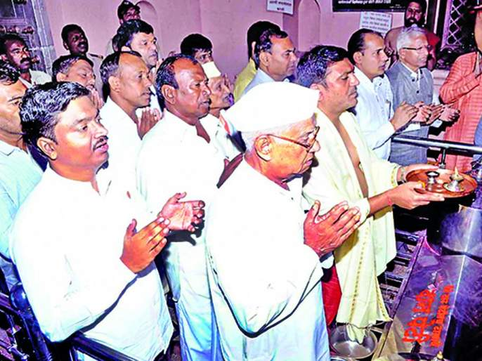 Patriarch hits Angarki Yatra | पितृपक्षाचा अंगारकी यात्रेला फटका