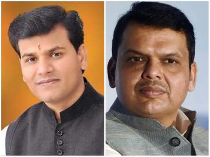 Independent MLA Ravi Rani's close relationship with the chief minister alone! | एकटे पडलेल्या मुख्यमंत्र्यांसोबत अपक्ष आमदार रवी राणांची जवळीक !