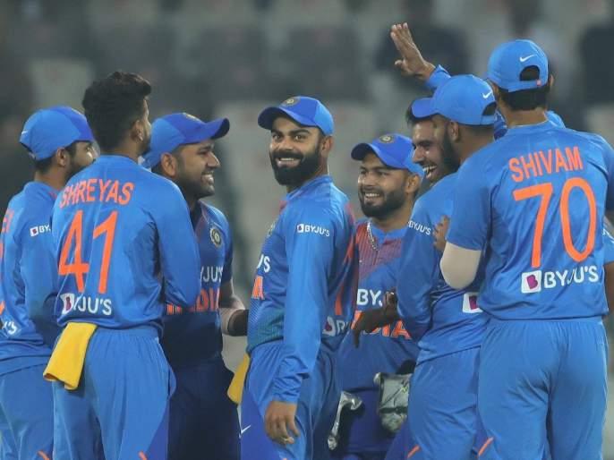 India vs West Indies: West Indies batsman smashes ball very hard; given 208 runs target to India | India vs West Indies : वेस्ट इंडिजची धडाकेबाज फलंदाजी; भारतापुढे २०८ धावांचे आव्हान