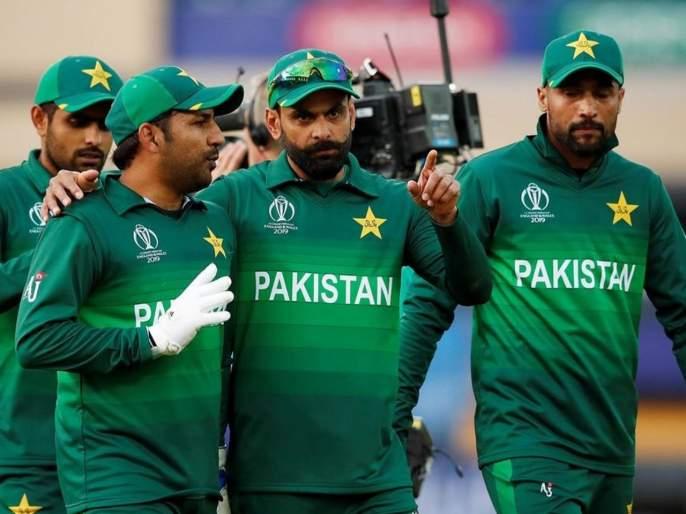 No more biryani for Pakistan cricketers as head coach Misbah-ul-Haq changes diet and nutrition plans   पाकिस्तानच्या क्रिकेटपटूंवर 'या' गोष्टीसाठी बंदी; नवीन प्रशिक्षकांचं कठोर पाऊल