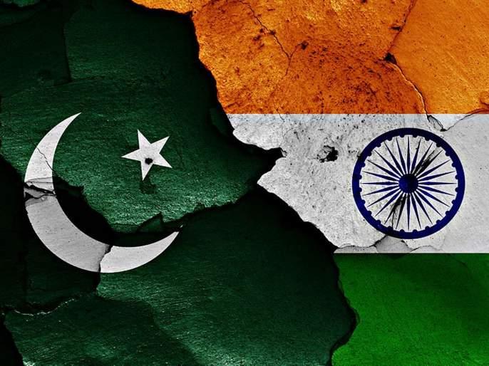pakistan increses army forces in india line of control | भारताच्या विरोधात पाकिस्तान रचतोय मोठा कट! LoCवर पाठवले रणगाडे, सैनिक तैनात