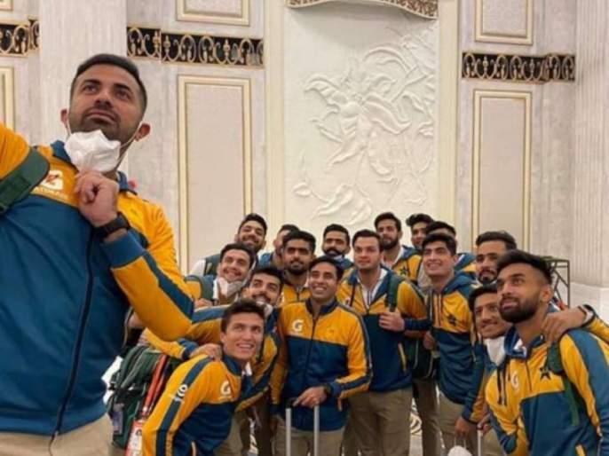 NZ vs PAK : Pakistan cricket team's one more COVID breach could see them getting deported from New Zealand | NZ vs PAK : ... तर तुम्हा सर्वांना देशातून हद्दपार करू; पाकिस्तान टीमला न्यूझीलंड सरकारची वॉर्निंग!