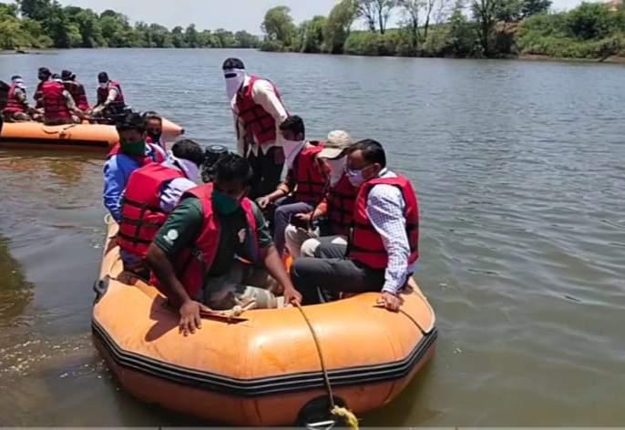 Demonstration of flood management on Panchganga river ghat | पंचगंगा नदीघाटावर पूर व्यवस्थापनाची प्रात्यक्षिके