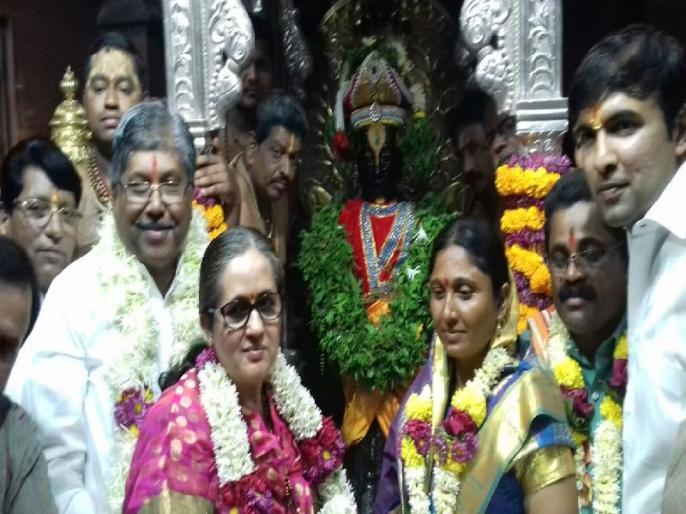 The revenue minister will not allow Kartik Ekadashi to perform the high priestship   भाजप-शिवसेनेचा नवा वाद; महसूलमंत्र्यांना कार्तिकी एकादशीची शासकीय महापूजा करू देणार नाही