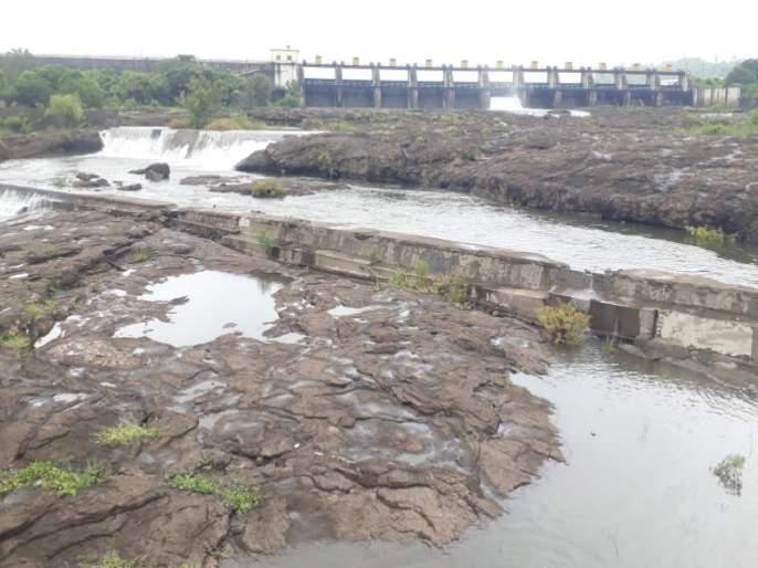 Khadakwasla dam is hundred percent full; 428 cusecs of river water release started | पुणेकरांसाठी खुशखबर! खडकवासला धरण शंभर टक्के भरले ; ४२८ क्युसेकने नदीत पाणी विसर्ग सुरु