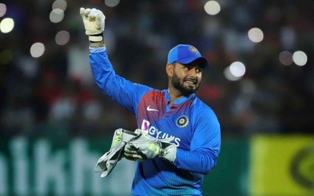 India vs West Indies: Why did Rishabh Pant in first match; Virat Kohli revealed | India vs West Indies : रिषभ पंतला का मिळाले पहिल्या सामन्यात स्थान; विराट कोहलीचा खुलासा