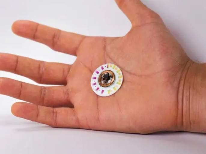 Tiny skin patch uses your sweat to measure health risks without a needle | घामाच्या मदतीने आजाराची स्थिती सांगणारं पॅच सेन्सर!