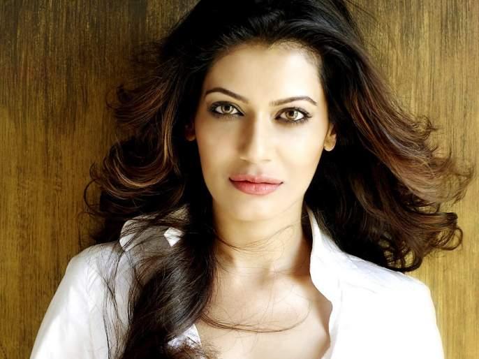 Mumbai Police blocked actress Payal Rohatgi on Twitter; Letter sent to Amit Shah | अभिनेत्री पायल रोहतगीला मुंबई पोलिसांनी ट्विटरवर केले ब्लॉक; अमित शहांना पाठविले पत्र