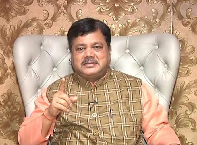 All investigations should be investigated, Pravin darekar questioned on corona testing | सगळ्या तपासण्यांची चौकशी व्हावी, कोरोना टेस्टींगवर दरेकरांचे प्रश्नचिन्ह