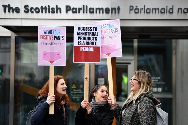 Scotland enacts new law to end period poverty   पीरिअड पॉव्हर्टी संपवण्यासाठी स्कॉटलंडनं केला नवीन कायदा!