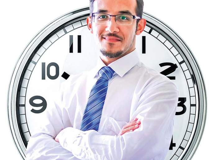 career Clock-new concept in career selection. | तुमचं करिअर क्लॉक बरोबर वेळ दाखवतंय का?