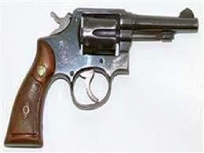 matori village firing, by tear | मातोरीत गुंडाकडून गोळीबाराचा धाक दाखवून दहशत