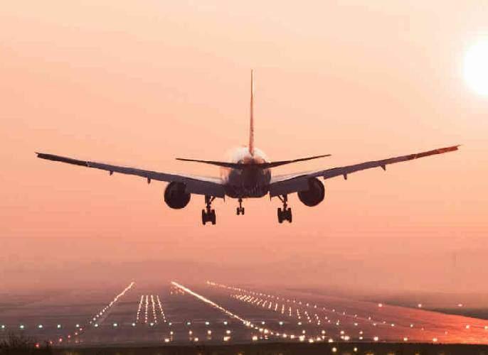 protests against closure of airlines for runway work | धावपट्टीच्या डागडुजीसाठी विमानसेवा बंद ठेवण्याला गोव्यात विरोध
