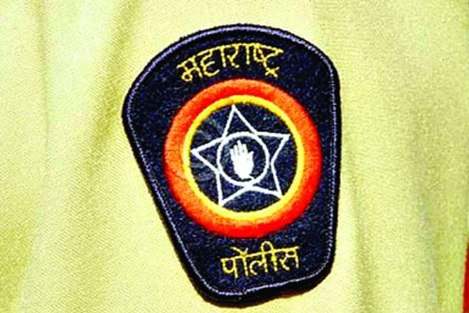 Domestic quarrel angers police!   घरगुती भांडणाचा राग काढला पोलिसावर!
