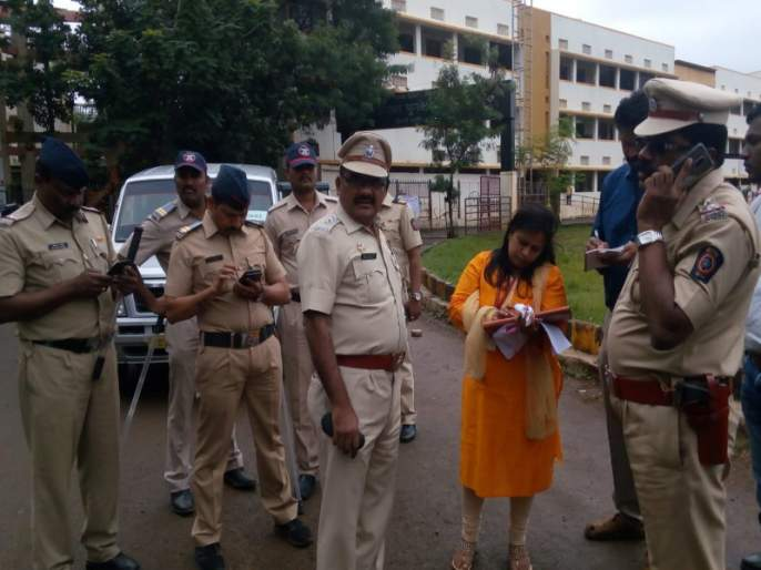 Maharashtra Elecion 2019 : Bogus voting try failed in Pimpri | महाराष्ट्र निवडणूक २०१९ : पिंपरीगावात बोगस मतदानाचा प्रयत्न फसला